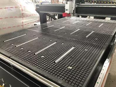 ¿Especialistas al comprar maquinaria industrial CNC?